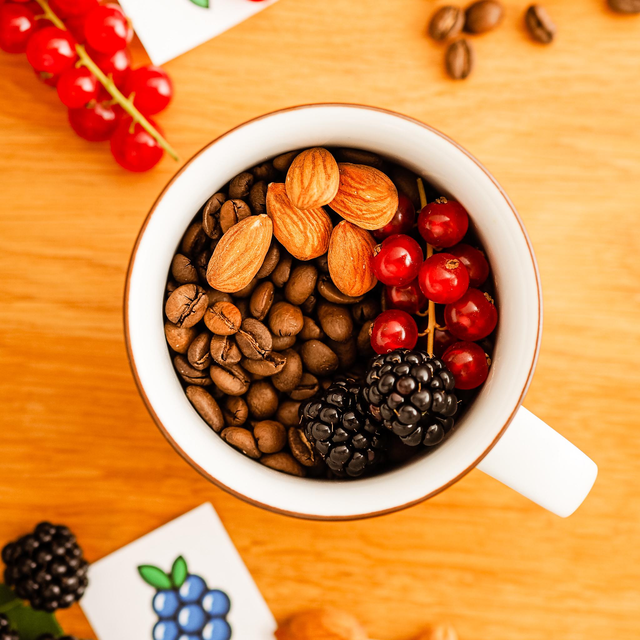 Beeriger Kaffee für Chemex und Filtermaschine