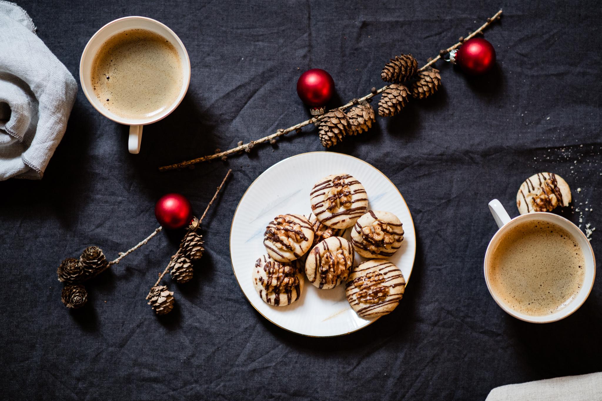 Kekse_Tannenzapfen_Kaffee_Weihnachten