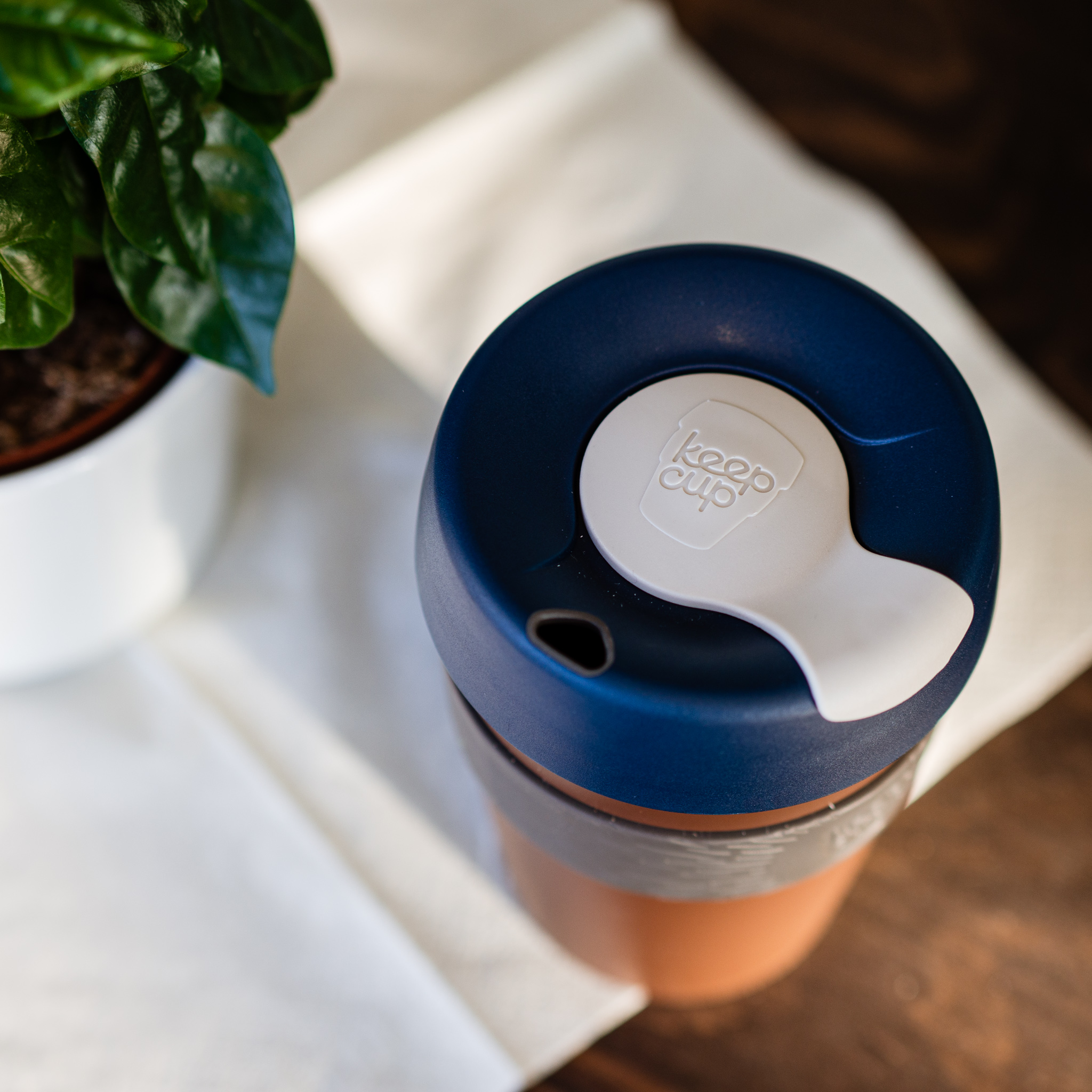 Recycelter Kunststoff Coffee-To-Go