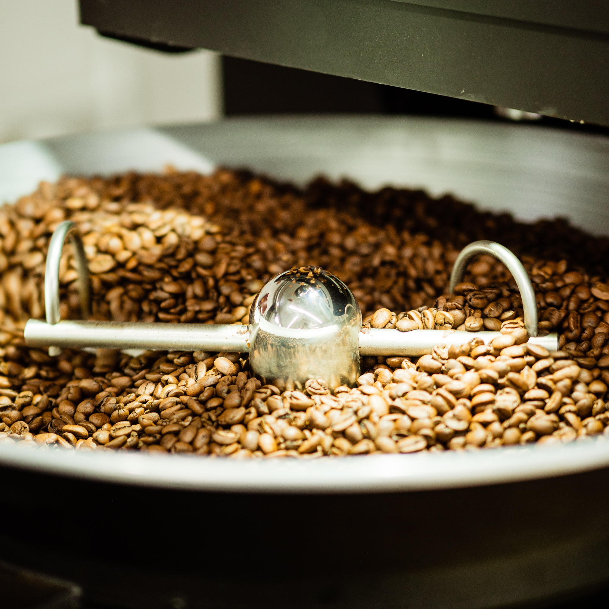 Kaffeerösterei mit Trommelröster
